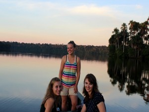 chuncho Macaw Clay Lick amazon wildlife tambopata reserve and sandoval lake lodge and manu park and jungle trips