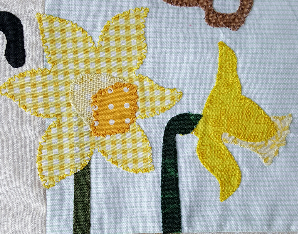 Sandra Healy Designs Calendar Quilt March Block Daffodils
