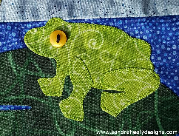 Sandra Healy Designs Calendar Quilt August Block Frog