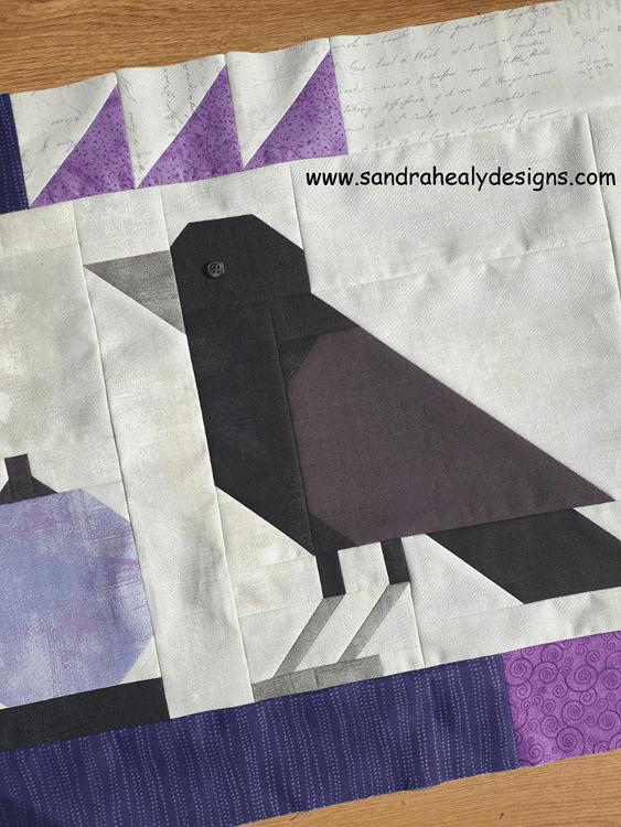 Sandra Healy Designs Halloween pumpkins table topper, crow detail