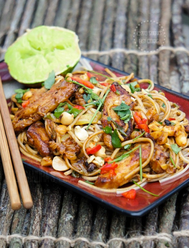 Thai Peanut Chicken Noodle Stir Fry | Simple Thai Peanut Noodles
