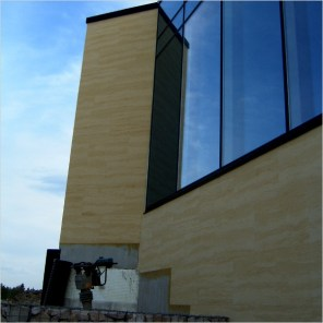 Facade cladding on thermal insulation composite system