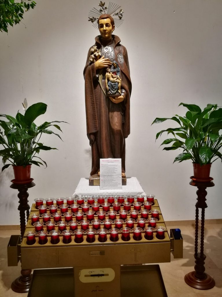 Accendi una candela a San Gabriele dell'Addolorata