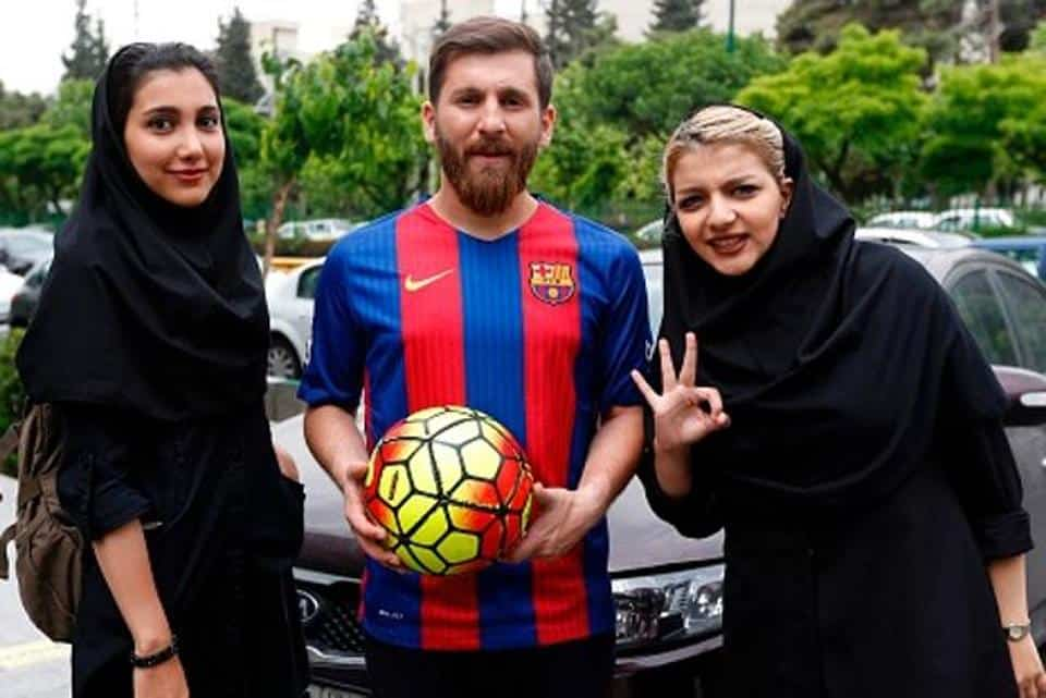 iran-football-messi_2d42ddbe-33e6-11e7-b30b-76e7402dac55
