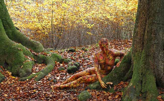 naked-woman-in-forest-photoshoot-by-jorg-dusterwald-and-tschiponnique-skupin-652x400-5-1447333723