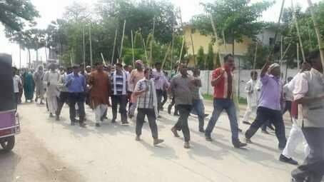 राजपा द्वारा रौतहटको गौरमा लाठी जुलूश प्रदर्शन