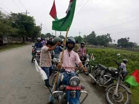 सर्वोच्च अदालतले दिएको अन्तरिम आदेशको बिरोध गर्दै फोरम नेपाल दुहवीले निकाल्यो मोटरसाइकल र्याली