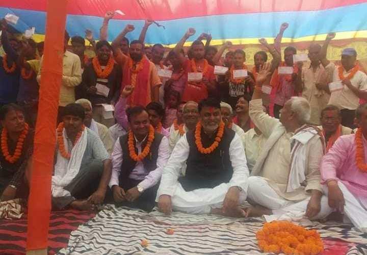 बारा कलैयामा भएको पार्टी प्रवेश कार्यक्रममा राजपा नेपालमा सयौं नेता तथा कार्यकर्ता प्रवेश