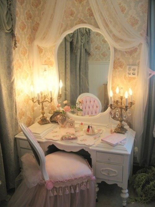 toletta-specchio-shabby-principessa-sangiorgio-arredo-cameretta0ef1deacbc4d70e0e31bd67e06d97054