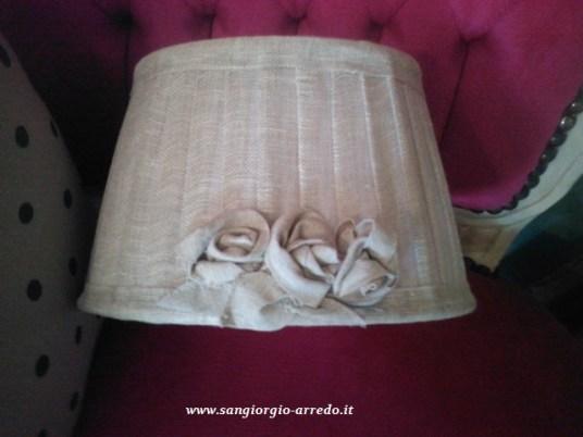 cappello per lampada linea Blanc mariclò,personalizzato con rose in lino