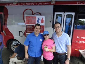 Con Silvia Márquez del grupo Rey