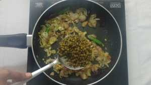 Pachaipayaru sundal -cooked moong