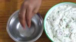medhu vadai - wet fingers