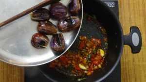 Ennai kathirikai -roasted brinjal