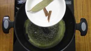 Paneer lababdar -bay leaf & cinnamon