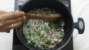 Chepala pulusu -onion cooked