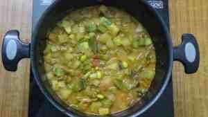 Thiruvathirai kuzhambu -vegs boiled