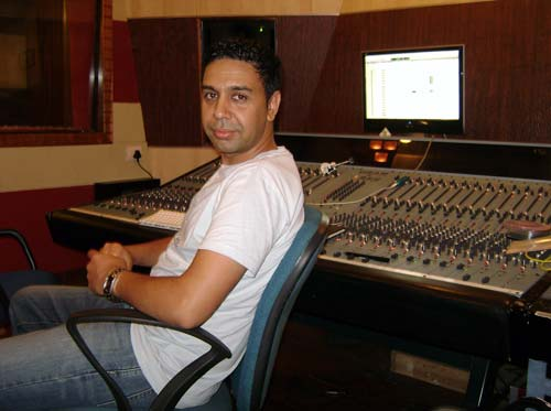 Sangtar in Windlass Studio