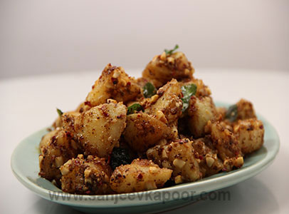 Aloo curry recipe by sanjeev kapoor chekwiki y peanut potatoes forumfinder Images