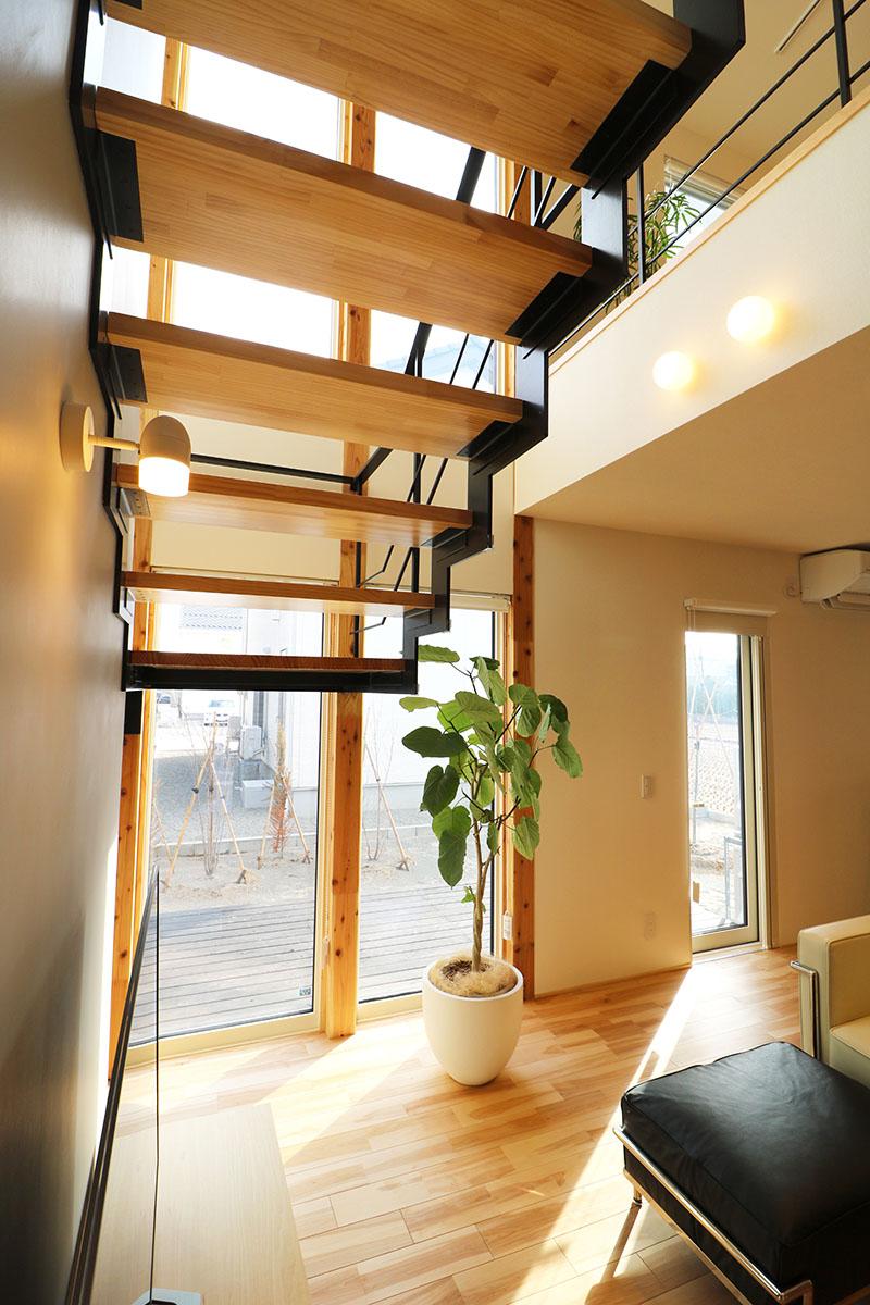 AKITA×DESIGN STANDARD300 由利本荘モデルハウス 階段下
