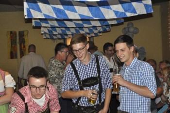 Jungschützen in Oktoberfesttracht