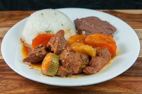 37. Carne Guisada