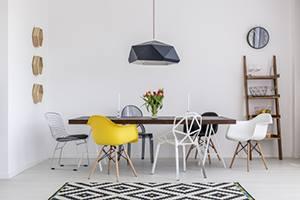 Еднакви маси и столове