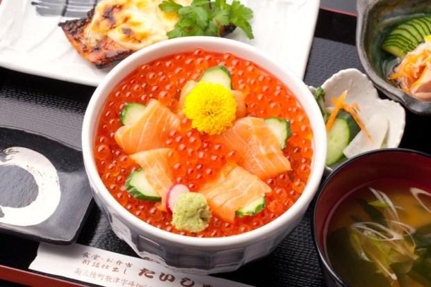 【寿司・御食事処 たいしゅう】漁師直送、朝獲りの鮭、イクラをふんだんに使い仕上げました。¥1,800
