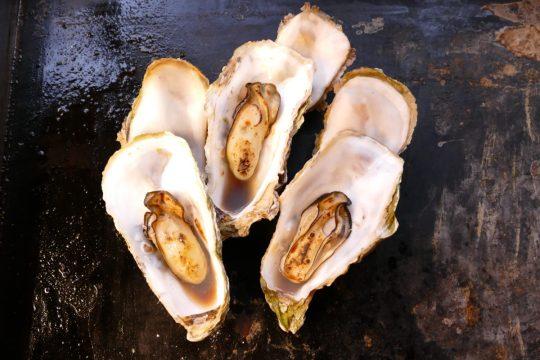 """フレッシュミート 佐利の""""牡蠣フェスティバル""""熱々メニュー『焼き牡蠣』!"""