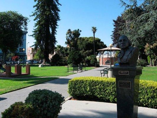 Community Partnership to Provide Free Wifi in Watsonville Plaza
