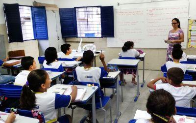 Prefeitos de Minas decidem voltar às aulas só depois do Carnaval