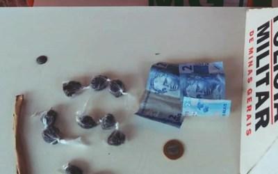 Menor e detido com drogas em Itatiaiuçu
