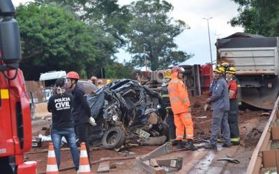 Caminhoneiro que causou acidente será preso, diz PM