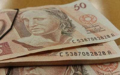 Apenas metade das famílias de MG com direito ao Bolsa Merenda fez o cadastro necessário