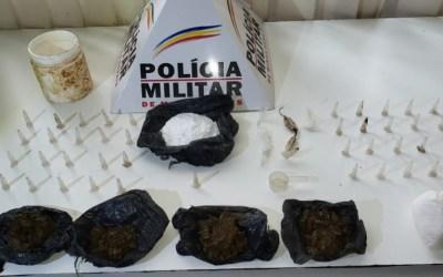 PM encontra drogas dentro de cupinzeiro