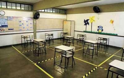 Mais de cem escolas estaduais retomam atividades nesta segunda