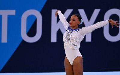 Rebeca Andrade faz história novamente e leva ouro na disputa por saltos