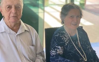 Casal de Itaúna celebra bodas de macieira após 74 anos casados