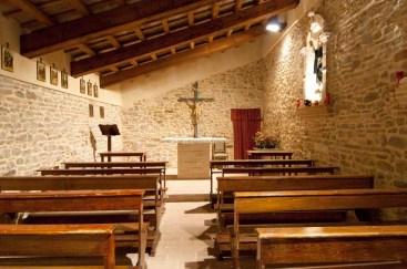 La chiesetta dall'interno