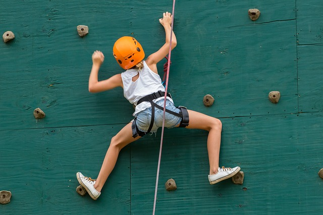 give experiences instead of gifts this christms with climbing gym passes.