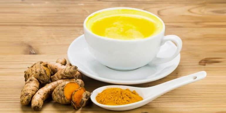 Curcuma, poudre de gingembre et miel pour l'endométriose