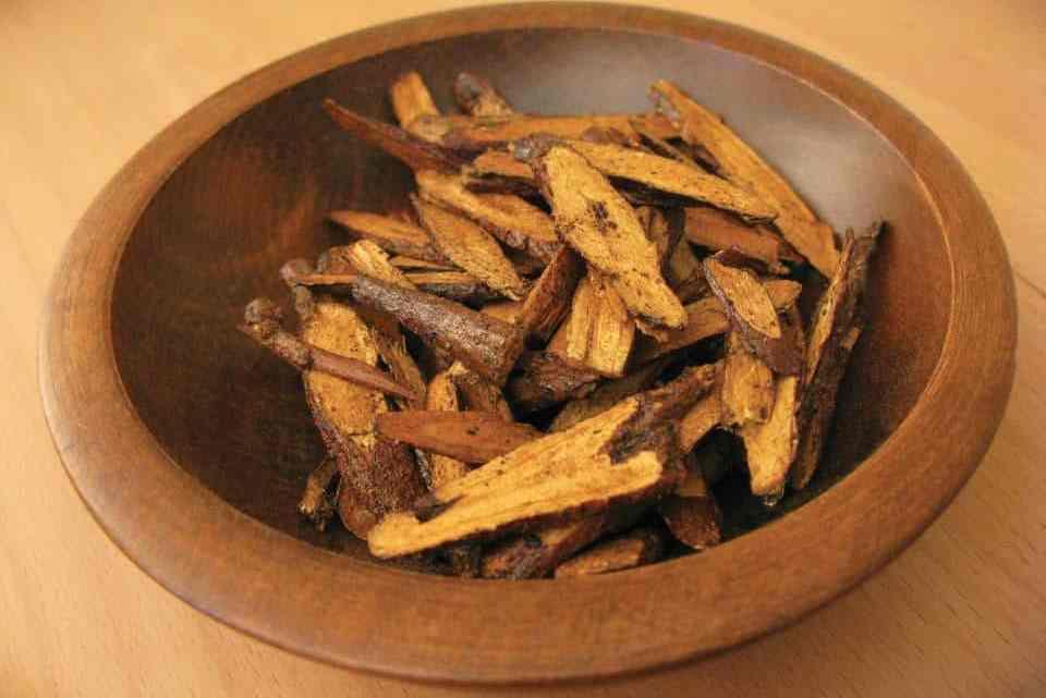 Mélange d'herbes: Racines de réglisse + cannelle + miel pour arrêter le ronflement