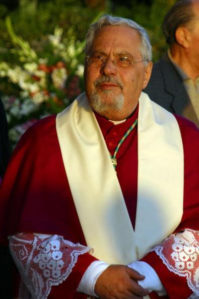 Mons. Benigno Papa