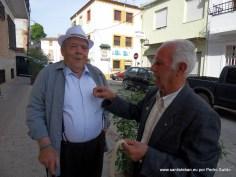 Alfredo y Jerónimo con la Banderita