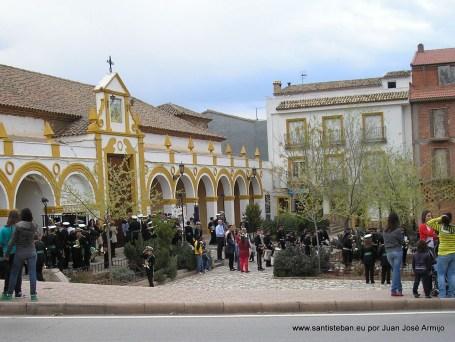Desfile saliendo de la Ermita