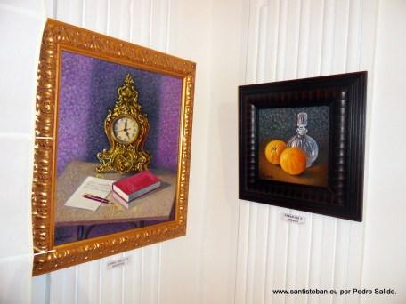 Libro, Reloj y Apuntes. Naranjas y Vidrio.