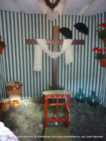 Cruz de María Dolores Paredes Plaza. C/ Calvario, 22.