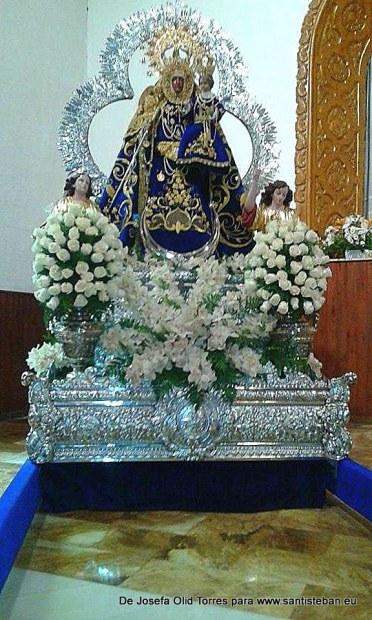 Virgen del Collado antes de la procesión de subida