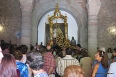 Procesión claustral dispuesta a salir del templo