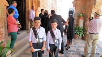 Tamorileros en la puerta del templo de Santa María